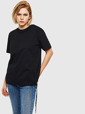 T-HUSTY, Black - T-Shirts