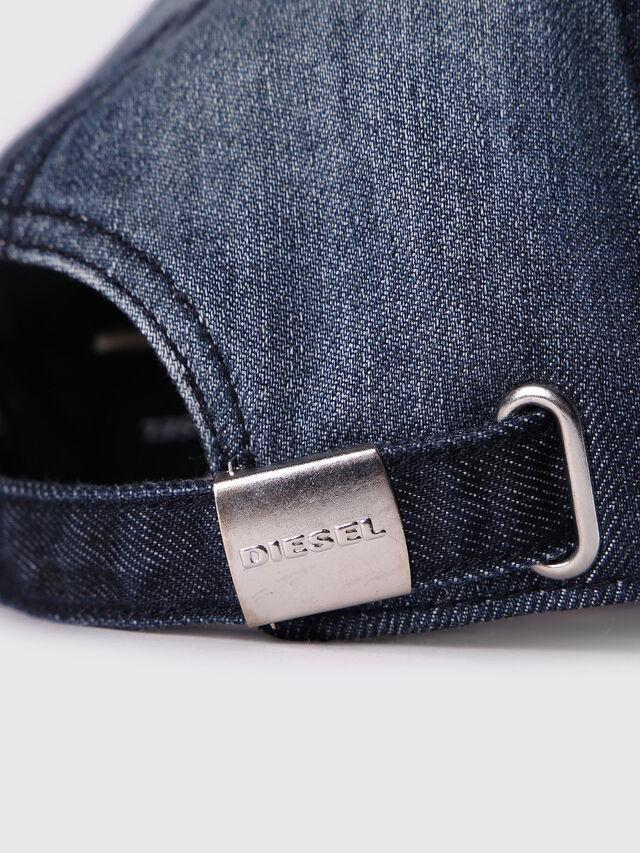 FURX, Blue Jeans