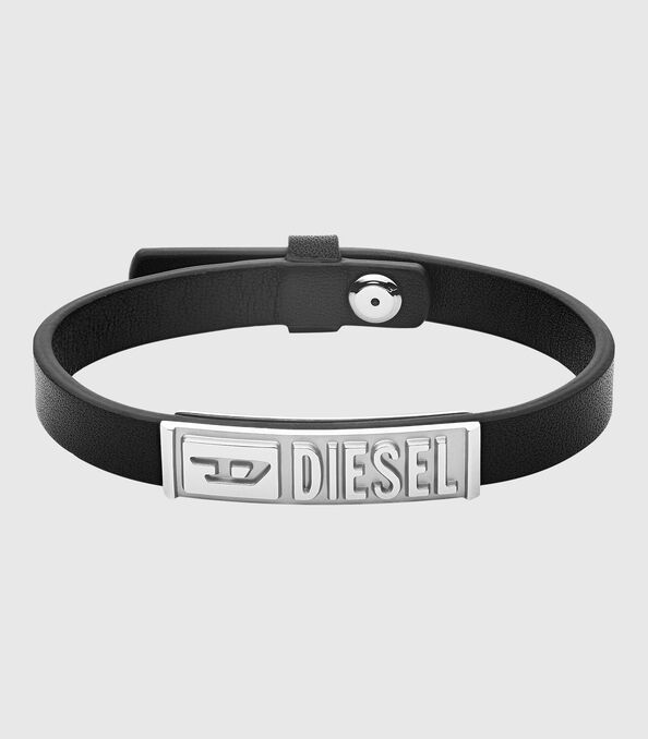 https://ru.diesel.com/dw/image/v2/BBLG_PRD/on/demandware.static/-/Sites-diesel-master-catalog/default/dw895c5118/images/large/DX1226_00DJW_01_O.jpg?sw=594&sh=678