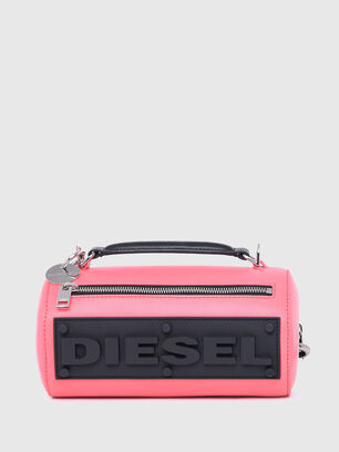 https://ru.diesel.com/dw/image/v2/BBLG_PRD/on/demandware.static/-/Sites-diesel-master-catalog/default/dw9909a43c/images/large/X07577_P2809_T4210_O.jpg?sw=306&sh=408