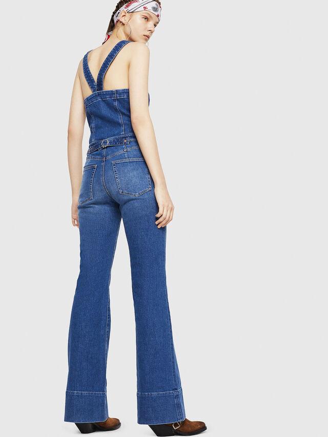 DE-THINK, Blue Jeans