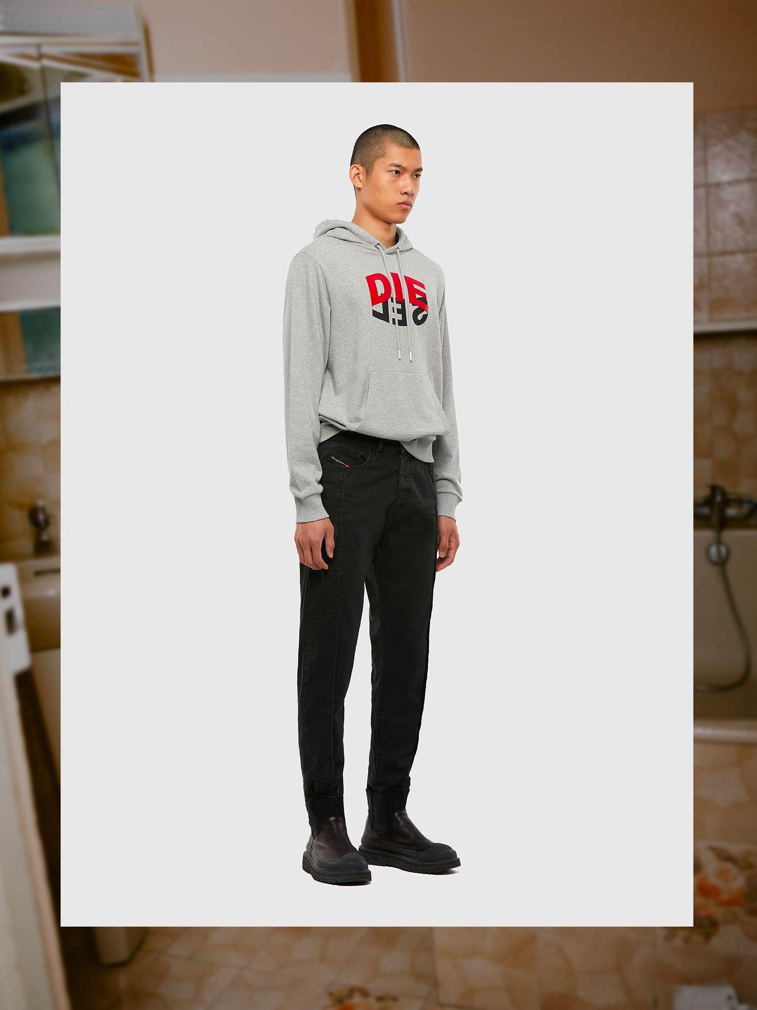 Diesel Jeans Carrot Fit: D-Vider   Shop Now on Diesel.com